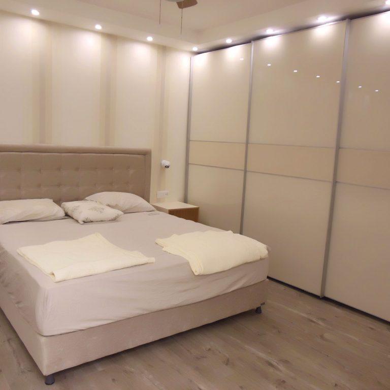 חדר שינה מושקע ואלגנטי